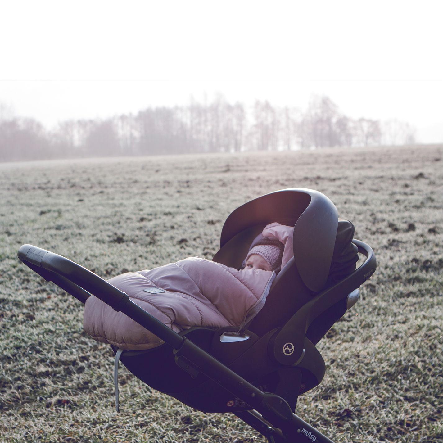 Śpiworki niemowlęce od 0 do 12 miesięcy